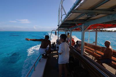 2005-10-23 motu, Bora Bora, French Polynesia