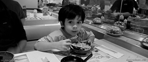 Idlan at Yo Sushi!, Pavillion  Nope! He is not having the raw stuffs. Idlan had some some egg tappenyaki fried rice.