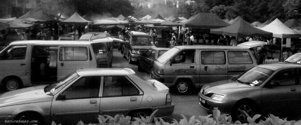 Pasar Ramadhan 3  Car parked everywhere, and it was only 4pm. That's Pasar Ramadhan for you. Taken on my Nokia E71.
