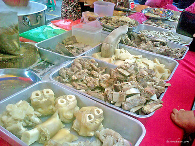 Pasar Ramadhan 5  Picture of the deadliest shop around! The fat here is enough to clog your artery in record time!