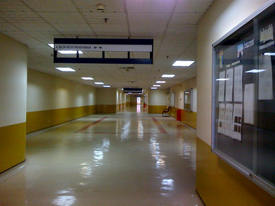 Meical Department at PPUKM - The whole of Medical Department of UMMC can fit into this corridor alone