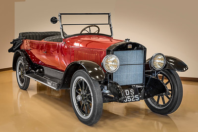 1921 Stanley Steamer Model 735B.