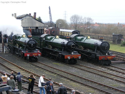 4965 steams while the others sit dead