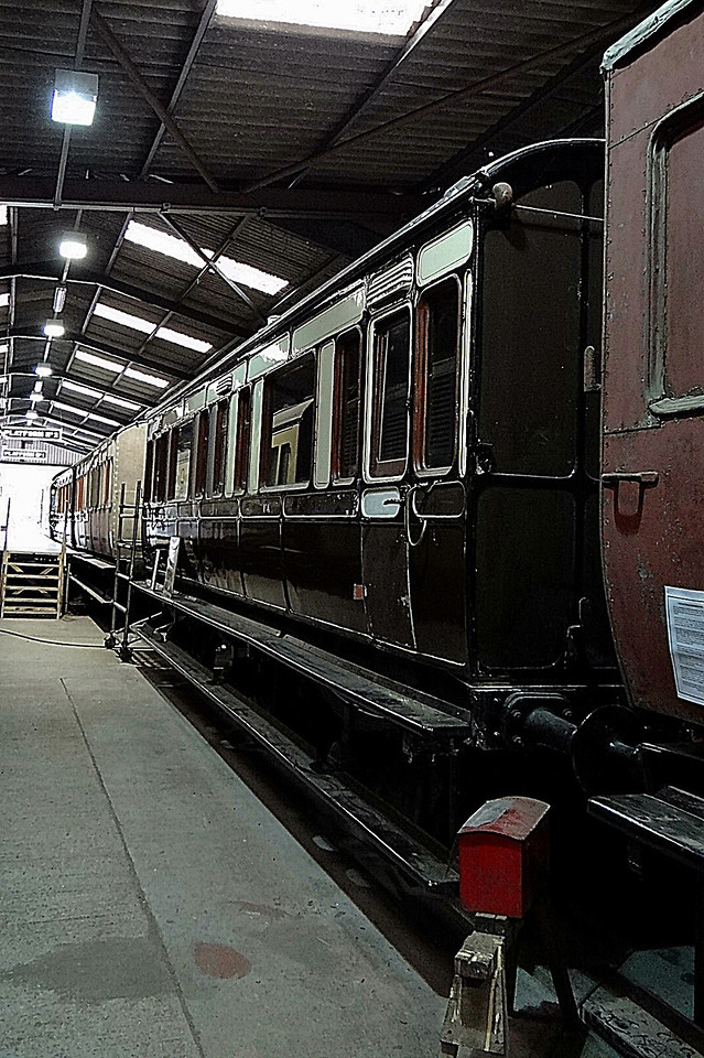 GWR 2511 6w Family Saloon. 13,10,2012