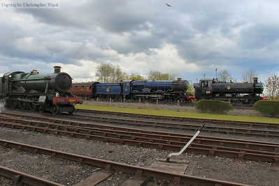 6023 and 9466 pass Burton Agnes Hall with a shuttle