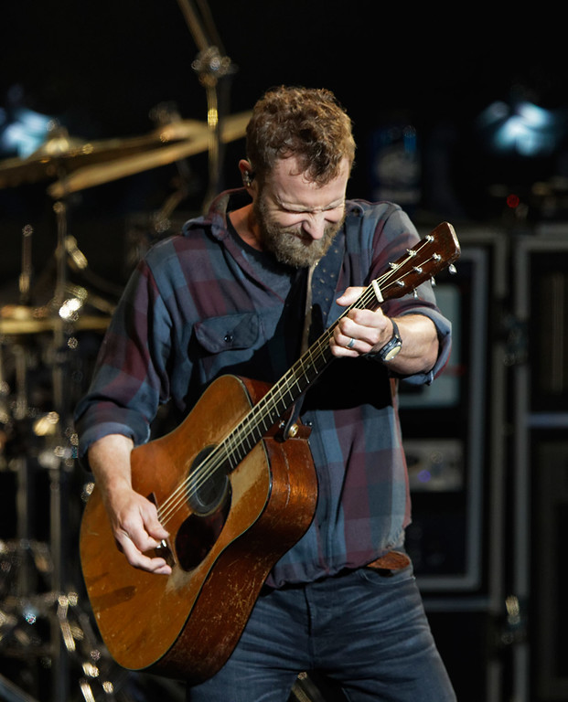 . Dierks Bentley live at DTE Music Theatre on 6-1-2018. Photo credit: Ken Settle