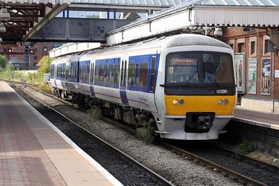 165015 Aylesbury Station 14/08/11.