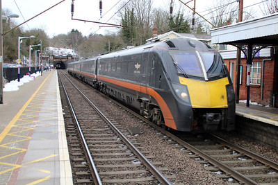 185101 passes Welwyn North to Kings Cross on a Grand Central service 24/01/13.