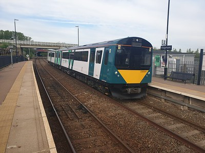 230004 0749/2s05 Bletchley-Bedford seen at Ridgmont    22/05/19