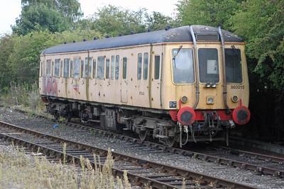 960015-975042 at Aylesbury Station 14/08/11.