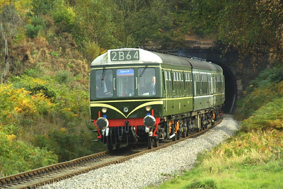52064/59250/51941 emerge from Foley Park Tunnel on 04/10/2002 with the 1150 Kidderminster-Arley shuttle service during the Severn Valley Railways 2002 Autumn Diesel Gala.