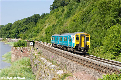 150256 passes Gatcombe whilst forming 2G54 0800 Maesteg-Cheltenham Spa on 24/06/2009.