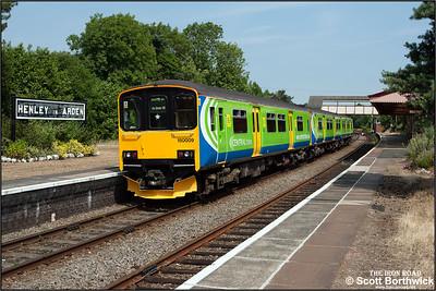 150009 arrives at Henley in Arden on 30/06/2006 with 2J37 1127 Stratford upon Avon-Stourbridge Junction.