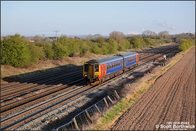 156498 passes Cossington whilst forming 2L10 0659 Loughborough-Leicester on 19/04/2021.