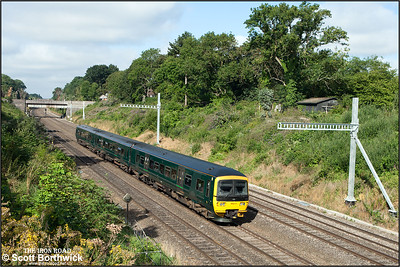 166212 forms 1K41 0843 Bedwyn-London Paddington as it exits Sonning cutting on 12/08/2016.