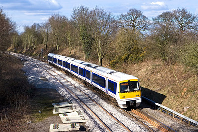 168001 passes Chessetts Wood on 04/03/2008 whilst forming 1H44 1352 Birmingham Snow Hill-London Marylebone.
