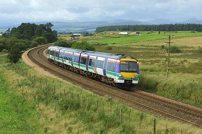170432 forms 1A63 1242 Glasgow Queen Street-Aberdeen on 28/08/2004 as it passes Bardrill Road, Blackford.
