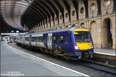 170477 awaits depart time at York with 2C82 1211 York-Leeds via Harrogate on 05/12/2019.