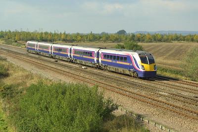 180109 heads for London Paddington at Denchworth on 18/10/2002.