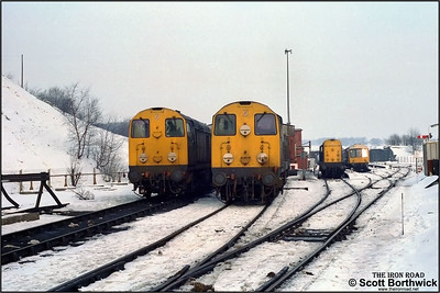 (From left tor right) 20040, 20081 & 20113 await their next duties at Buxton TMD on 11/02/1986.