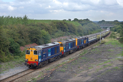20314+20309+20306 pass Bagworth whilst working 1Z82 1337 Kettering-Preston 'The Rutland Renegade' on 26/08/2006.