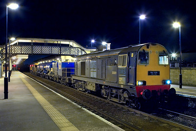 20301 & 20304 stand at Worksop after arriving with 3S11 1603 SuO York Works-Worksop railhead treatment train on 08/10/2006.