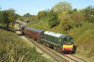 D8137 approaches Winchcombe whilst working the 1145 Gotherington-Toddington service on 19/10/2002.