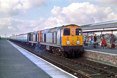 20113+20075 stand at a damp and cold Skegness after arriving with 1E86 0838 Leicester-Skegness on 17/09/1983.