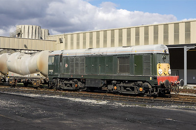 D8056 at Hope cement works on 16/09/2005.