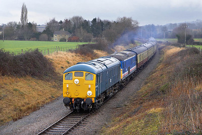 24081+73129 pass Hailes whilst in charge of the 1230 Toddington-Cheltenham Racecourse service on 27/12/2005.