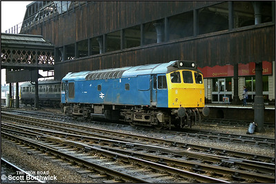 25269 takes a break during station pilot duties at Manchester Victoria on 24/02/1984.