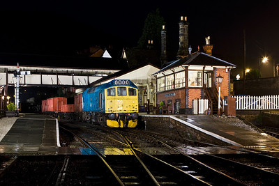 25313 stands at Llangollen with a short mixed freight on 19/01/2008.