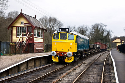 25322 'Tamworth Castle' stands at Consall with a mixed freight on 19/04/2008.