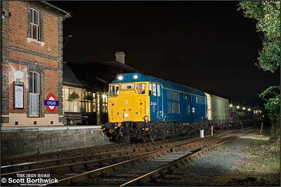 31438 stands at Ongar with a short PW train on 27/09/2014.