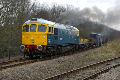 33065 passes Longueville Jnct with a short PW train on 24/02/2007.