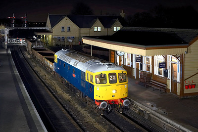 33065 stands at Wansford with a short PW train on 24/02/2007.