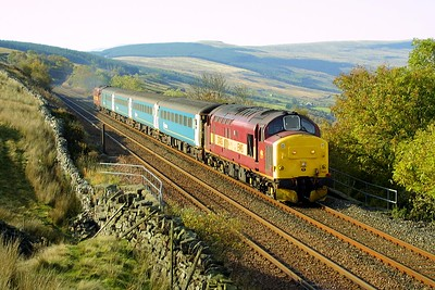 37405 leads 37408 approaching Garsdale on 18/10/2003 whilst working 1M53 0949 Leeds-Carlisle service.