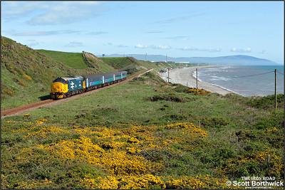 37402 hauls 2C41 1437 Barrow in Furness-Carlisle at Nethertown on 23/05/2016.