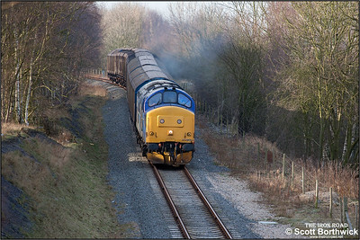 37203 rumbles along the Kingsbury- Birch Coppice branch at Kingsbury Link on 24/01/2005 with the 6G36 0908 Bescot Yard-Birch Coppice trip.