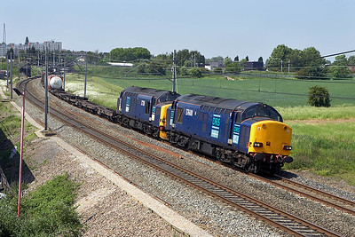 37608+37218 growl past Lichfield Trent Valley on 09/06/2006 whilst in charge of 4L46 1118 Ditton-Purfleet.