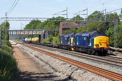 37612+37218 thunder through Cathiron on 08/06/2006 with 4L46 1118 Ditton-Purfleet.