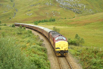 37416 approaches Loch Eilt with 1Z38 1450 Mallaig-Edinburgh Waverley SRPS Charter on 22/09/2001.