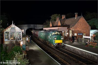 D6732 (37032) arrives at Weybourne on 08/11/2014.