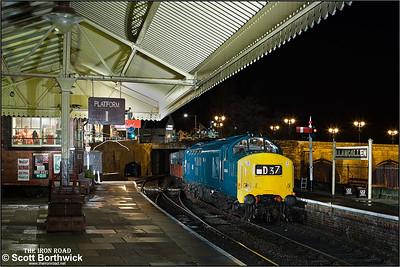 6940 (37240) arrives at Llangollen on 08/02/2014.