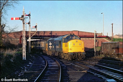 37264 arrives at Inverness with 2N14 0600 Wick-Inverness on 18/12/1984.