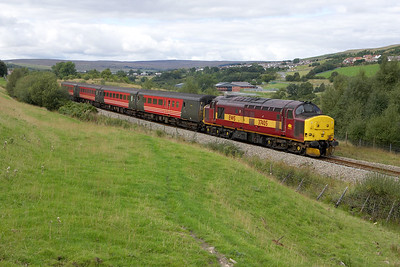 37405 departs from Pontlottyn with 2F38 1515 Rhymney-Cardiff Central on 17/09/2005.