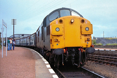 37035 awaits departure from Georgemas Junction on 29/07/1983 with 2K10 1527 Georgemas Junction-Thurso.
