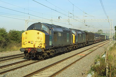 37606+37605 shatter the peace at Cathiron whilst in charge of a very late running (7 hours and 45 minutes to be precise) 4M30 1915 Grangemouth-Daventry intermodal service on 16/09/2003.