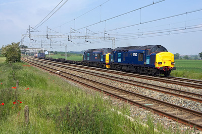 37612+37229 hammer through Grendon on 05/06/2006 with a lightly loaded (as usual) 4L46 1118 Ditton-Purfleet.