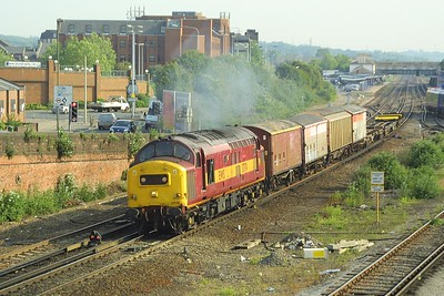 37174 opens up as it departs from Eastleigh on 28/05/2004 with 6B45 0831 Eastleigh East NY-Marchwood conveying traffic for the MoD.